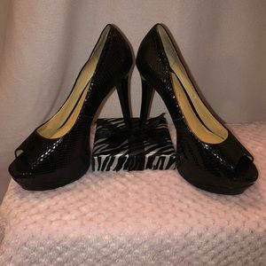 Gianni Bini-Black Pumps-9M Snake Skin Leather